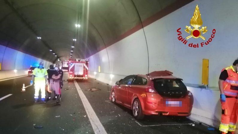 Incidente in autostrada nel Cosentino: un militare della guardia di finanza morto e uno ferito