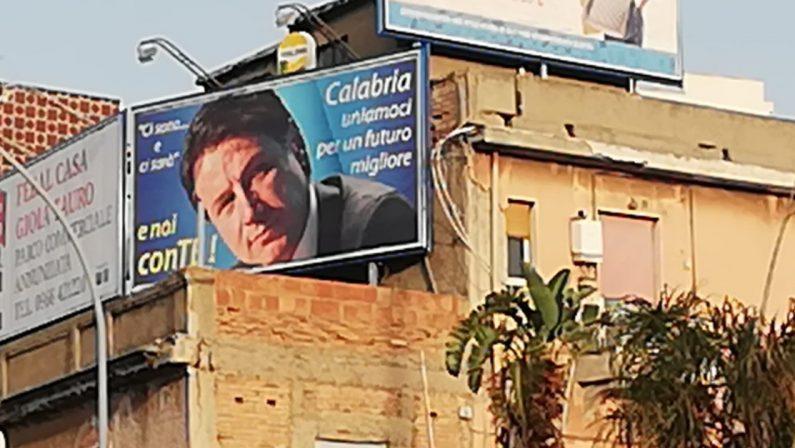 Il giallo: chi ha messo i manifesti di Conte a Reggio Calabria?
