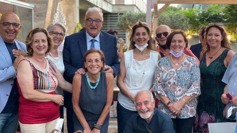Festa per Demetrio Crucitti, lo storico direttore di Rai Calabria va in pensione
