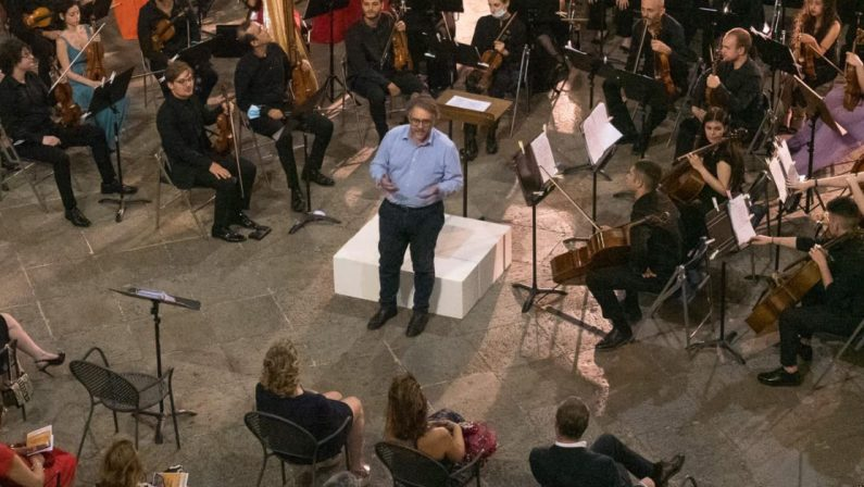 Dal Conservatorio di Cosenza un bando per la creazione di una rete artistica e culturale