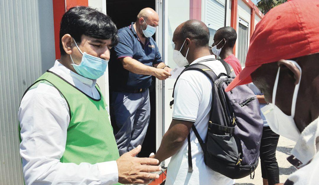 Vaccinazioni nella tendopoli di San Ferdinando
