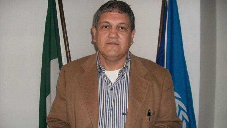 Bonifati, l'ex sindaco Antonio Mollo lascia il consiglio dopo 28 anni