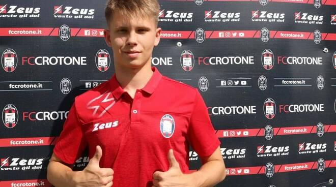 Calcio, un giocatore diciottenne lituano per il Crotone