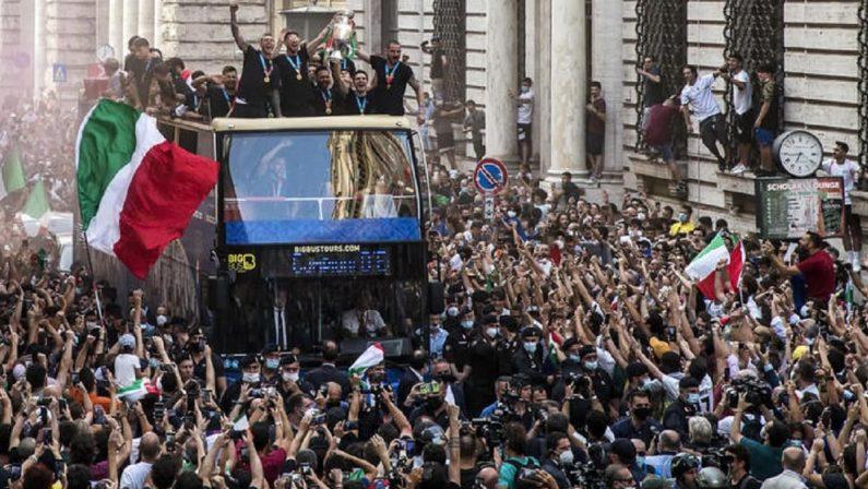 Covid: boom di contagi a Roma, la Capitale paga i festeggiamenti per gli Europei