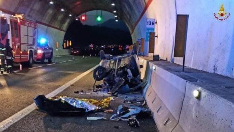 Strage sull'autostrada: duemorti nel Potentino, illesi due bambini