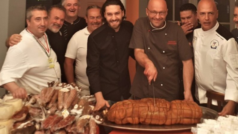 Una 'nduja da record tagliata in Liguria: quasi 22 chili