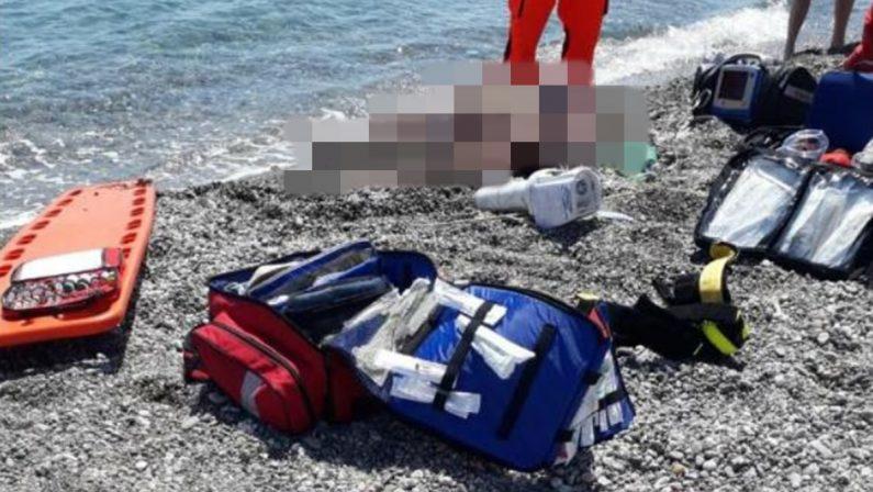 Turista campano muore annegato a Cirò Marina
