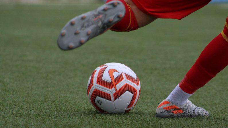 Calcio in crisi: fra professionisti e dilettanti sono molte le squadre a rischio iscrizione