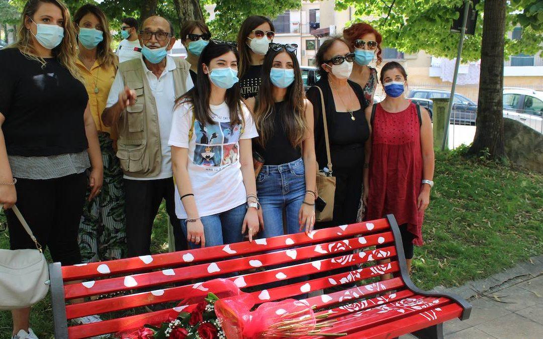 La panchina rossa per Roberta Lanzino