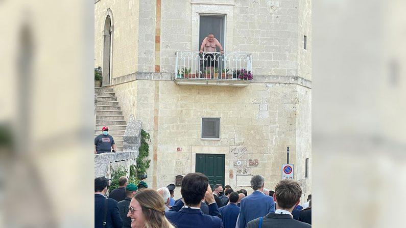 Il professore dal balcone, la vera star del G20 di Matera