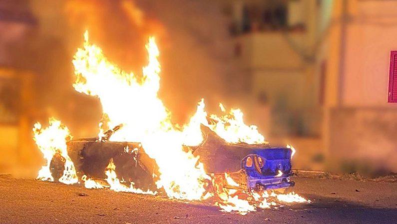 Minacce di morte e auto in fiamme, arrestato l'aguzzino di una commercialista nel Vibonese - VIDEO