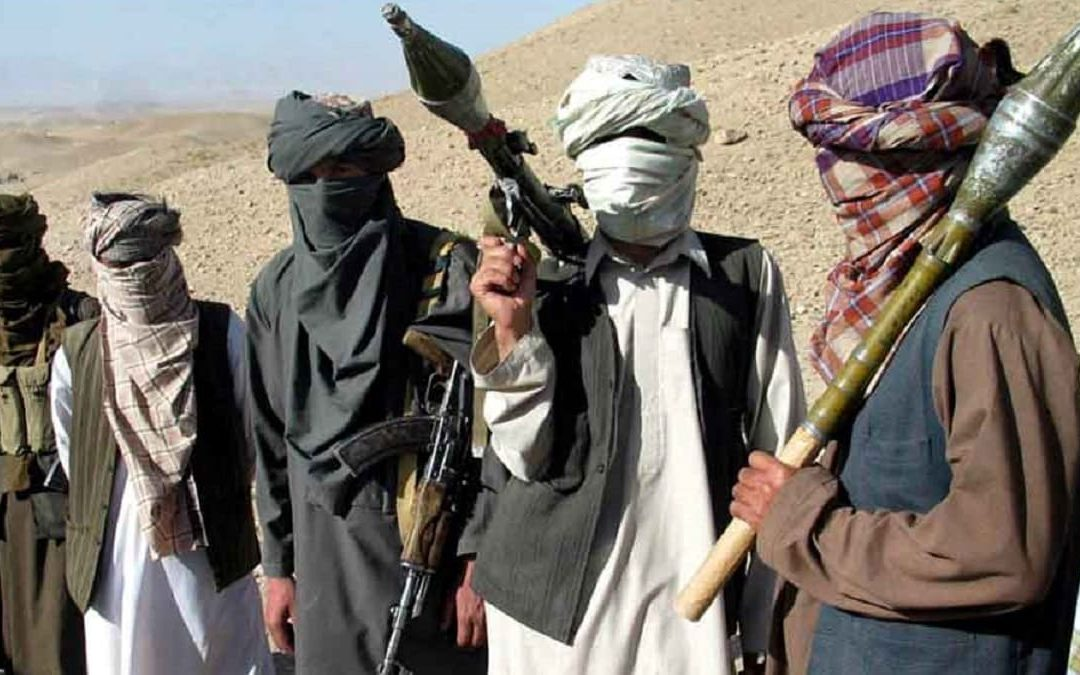 Miliziani talebani sugli altipiani afghani