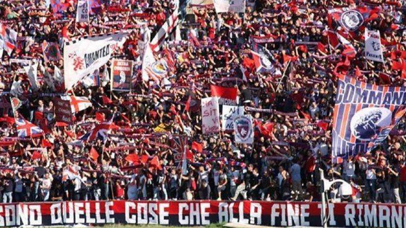 """Lo stadio """"San Vito-Marulla"""" esaurito per il derby Cosenza-Crotone"""