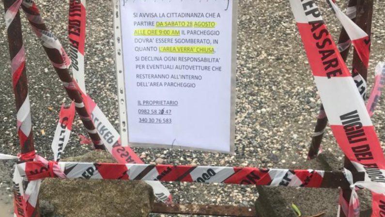 Caso Gravina a Paola, la guerra continua: il proprietario chiude l'area al pubblico