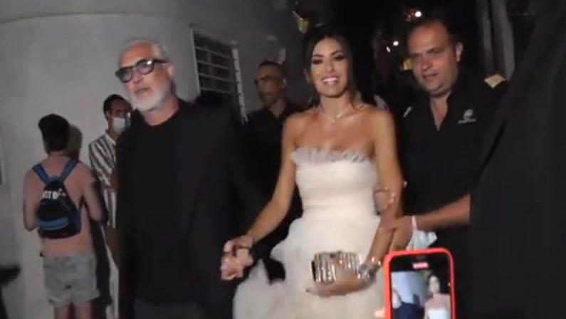 VIDEO - Flavio Briatore ed Elisabetta Gregoraci mano nella mano a Capri