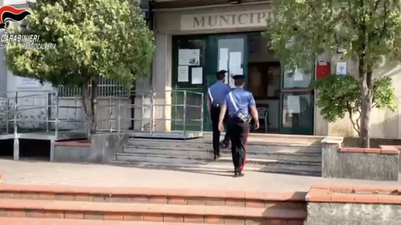 Chiedono i buoni spesa senza averne diritto, denunciate 15 persone a San Luca
