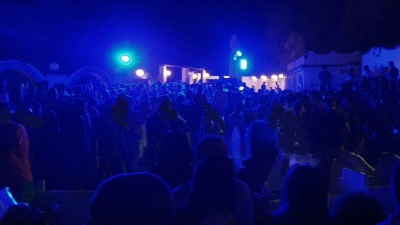 Discoteca aperta senza rispettare le norme anticovid, chiuso noto locale nel Catanzarese