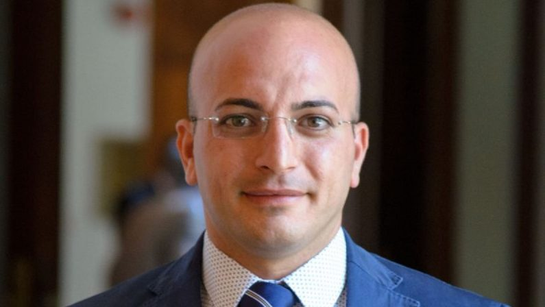 IL PROFILO - Il consigliere regionale Nicola Paris