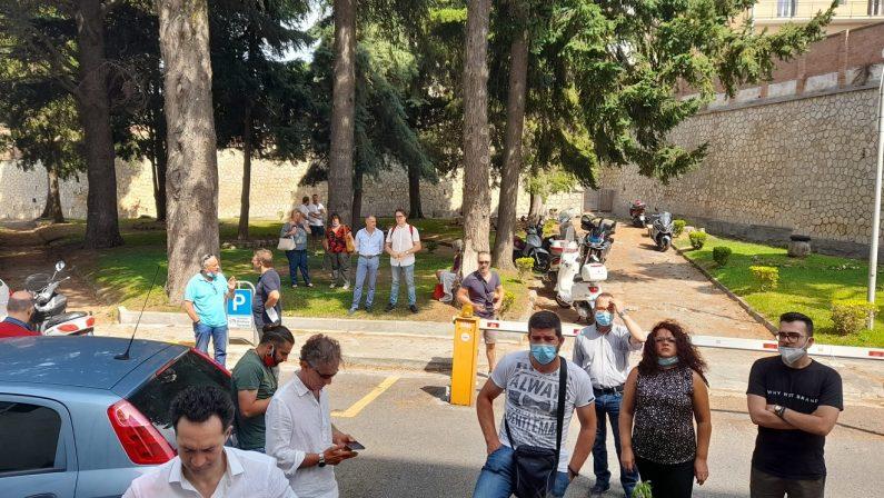 Clinica Sant'Anna, beffa per pazienti e personale: il caso finisce sul tavolo di Gratteri