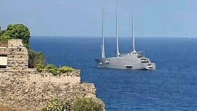 """A Pizzo è arrivato """"A"""", uno degli yacht più lussuosi al mondo"""