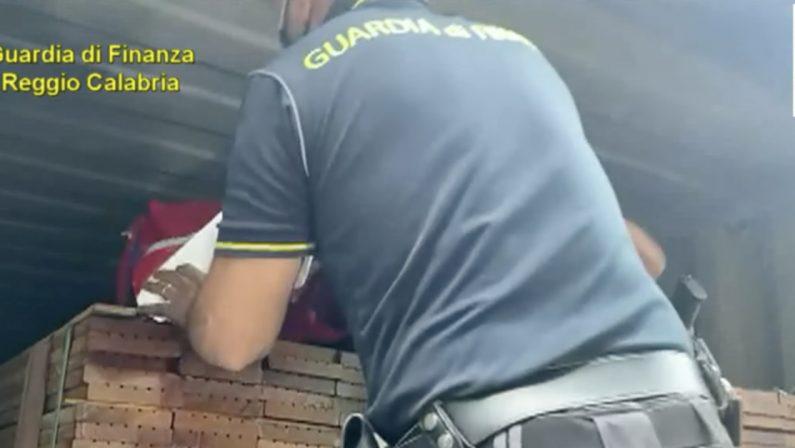Scoperti e sequestrati al porto di Gioia Tauro 108 chili di cocaina purissima