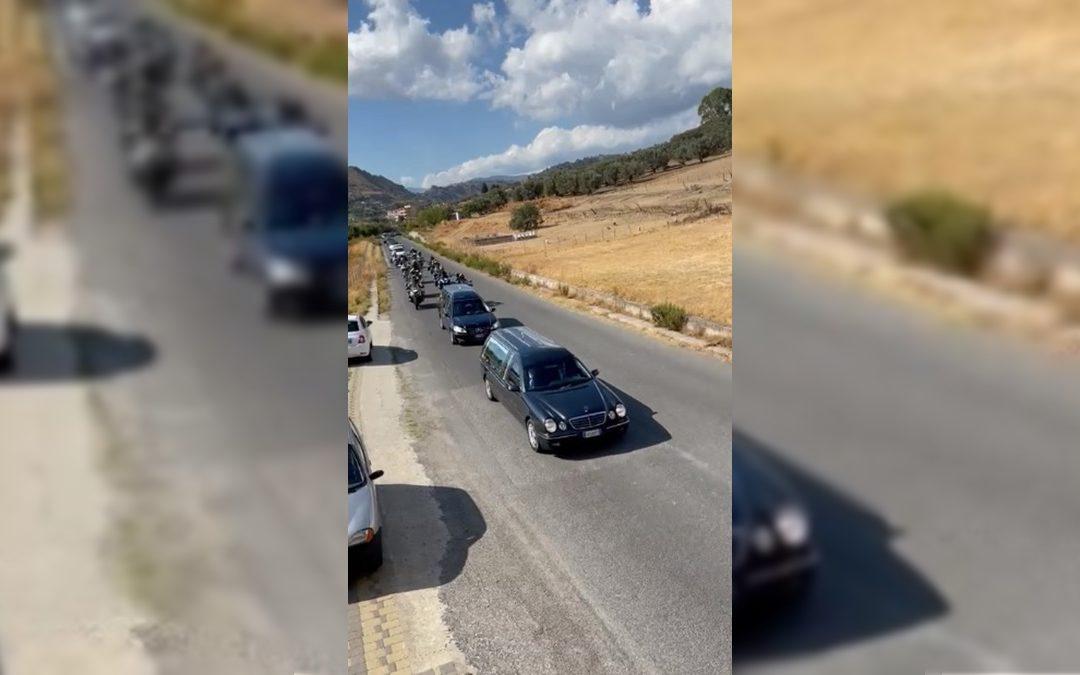 Il corteo dei motociclisti a Roccella Ionica