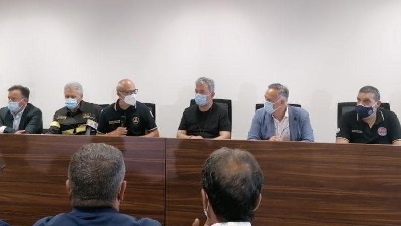 Emergenza incendi, il capo della Protezione civile Curcio a Reggio Calabria: «Richieste di intervento tutte coperte»