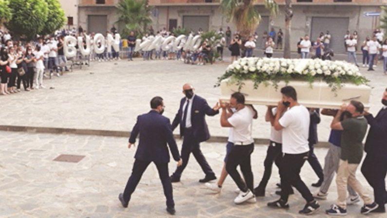 Strage sulla 106, l'ora del lutto a Castrovillari e Cassano
