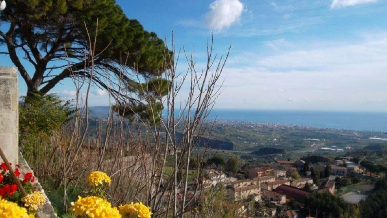 IL REPORTAGE - Da Scilla a Locri, viaggio nella Calabria reggina: tra bellezze, incendi e Gratteri