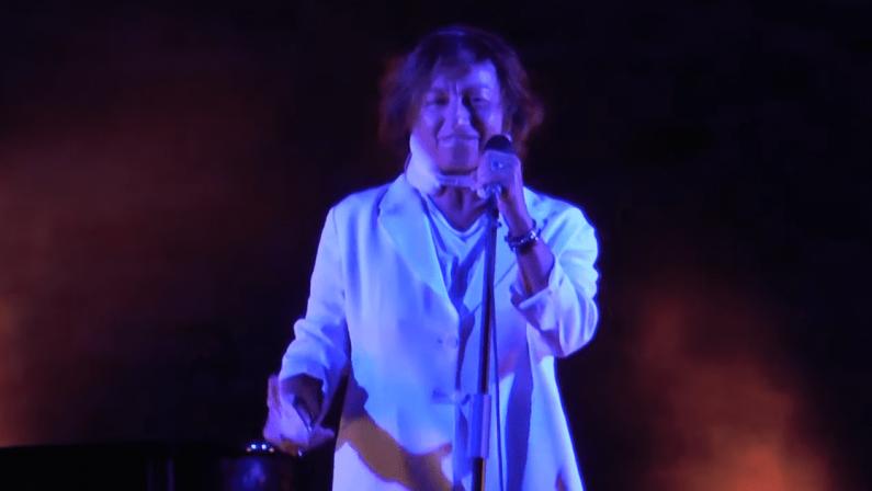 Gianna Nannini, sfortunato concerto a Borgia: dopo la caduta dal letto arriva la pioggia