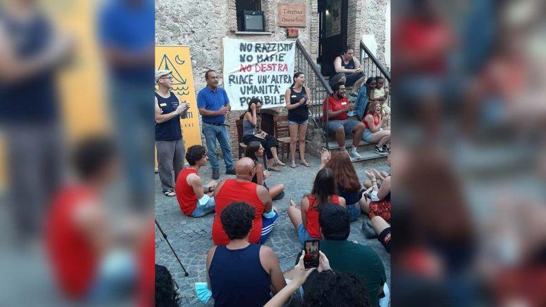 Il popolo di Lucano di mobilita, oggi tutti in piazza a Riace