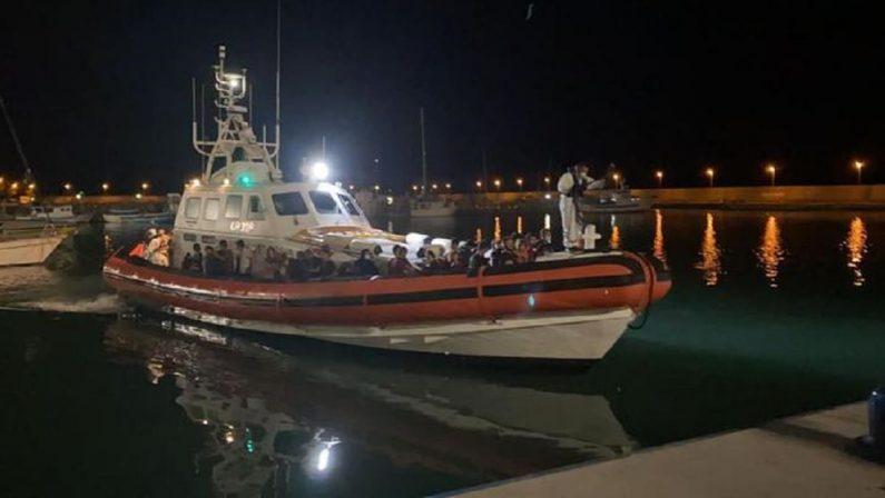 Migranti, nuovo sbarco nella Locride: soccorse 80 persone