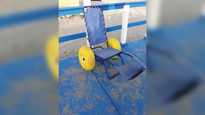 Gioia Tauro, vandalizzata una sedia per disabili