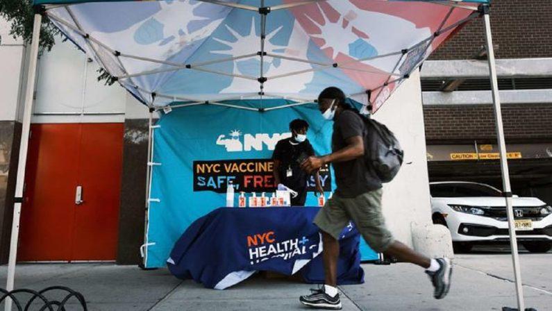 Il Green Pass anche a New York: cosa si può fare con il certificato di vaccinazione
