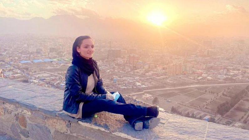 Zarifa Ghafari, la sindaca più giovane dell'Afghanistan: «Aspetto che i talebani vengano ad uccidermi»
