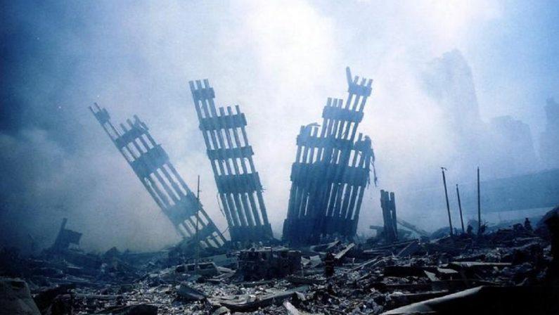 """Il governo dei talebani """"proclama"""" la fine del Novecento americano"""