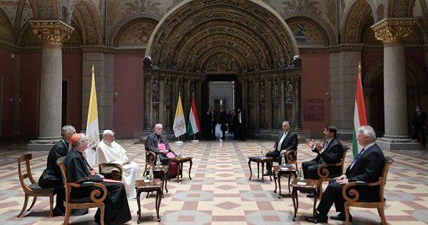 Papa Francesco incontra Orban, colloquio cordiale su famiglia e ambiente