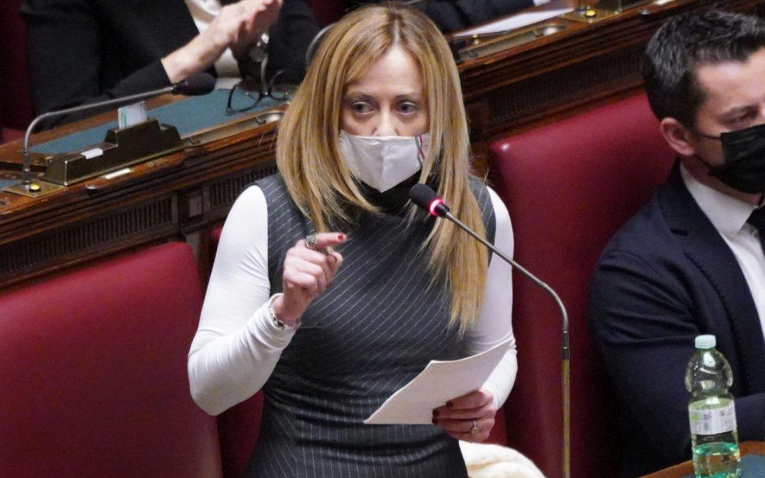 """Bollette, Meloni """"3 miliardi insufficienti nel medio-lungo periodo"""""""