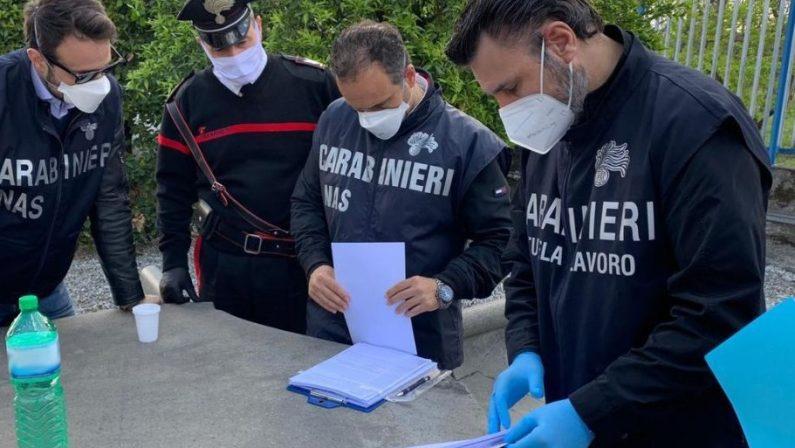 Albergo con lavoratori in nero, cibo avariato e violazioni di sicurezza: una denuncia nel Catanzarese