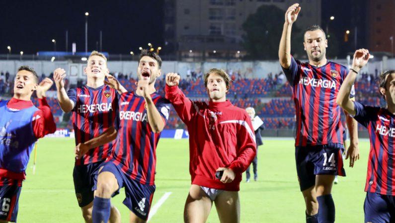 Il derby al Cosenza: il Crotone si arrende a un gol di Carraro