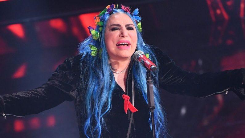 Loredana Bertè scatenata sul palco di Arena '60 '70 '80