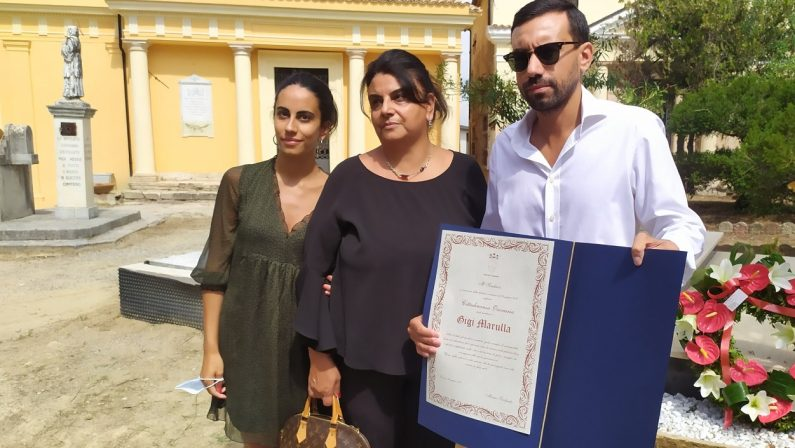 Cosenza omaggia Gigi Marulla: concessa cittadinanzaonoraria al calciatore scomparso