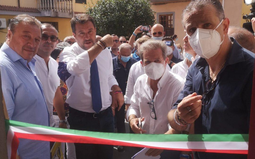Matteo Salvini inaugura la sede di Rosarno