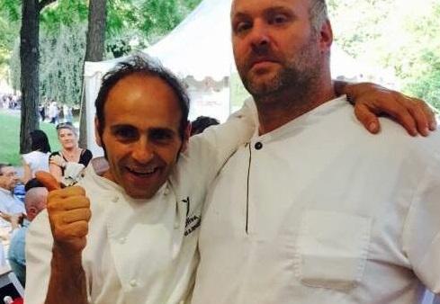 A sinistra il titolare Antonio Oliva