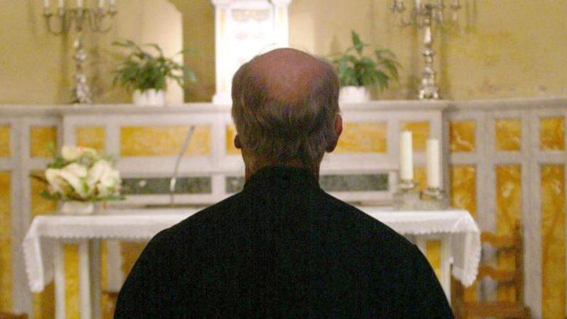 Sacerdote segnalato alla Prefettura di Pisa per possesso di cocaina