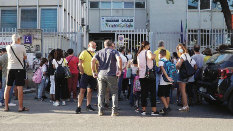Scuola, a Bari primo giorno nel caos