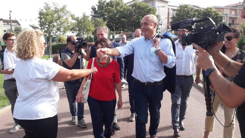 Zingaretti a Catanzaro: «Salviamo la Calabria e arginiamo la destra»