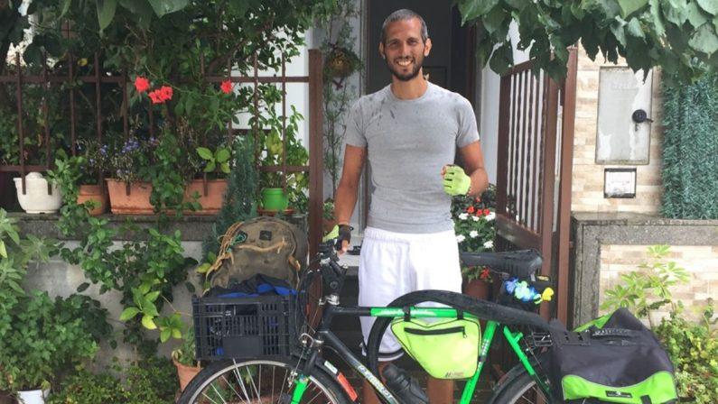 Da Milano a Vibo in bici, il viaggio introspettivo (e bio) di Alberto Megale