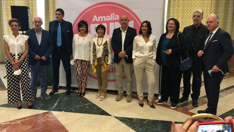 Amalia Bruni fra politica in rosa e iniezioni di fiducia
