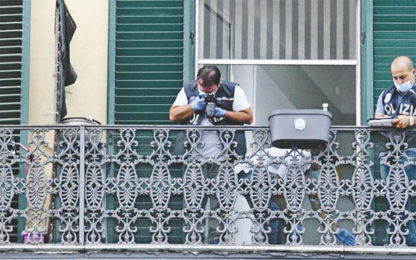 Giù dal balcone, muore bimbo: fermato un collaboratore domestico